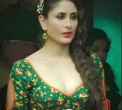 কারিনা কাপুরের নেংটা ছবি-কারিনা কাপুরের নেংটা ছবি ইন্টারনেটে ফাঁস।।Kareena Kapoor Sexy Pics.