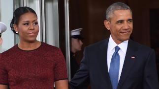 Michelle und Barack Obama    Riesen-Deal für Barack und Michelle Obama: Sie werden ihre Memoiren schreiben und sollen dafür eine Rekordsumme bekommen und laut Medienberichten den größten Teil spenden