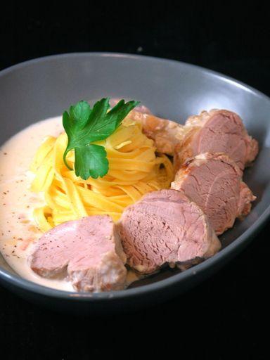 Filet mignon de porc au Maroilles : Recette de Filet mignon de porc au Maroilles - Marmiton
