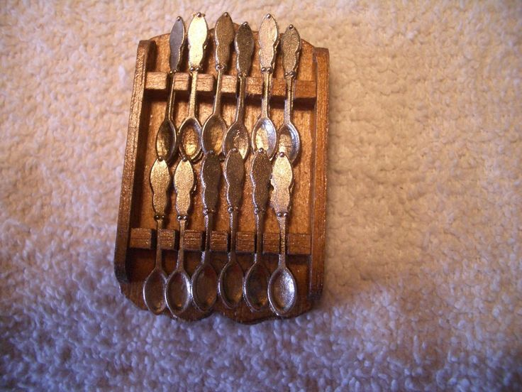 BEAUTIFUL HELLO DOLLY #9282 WOOD SPOON RACK AND 12 METAL SPOONS, M/OB!!!   eBay