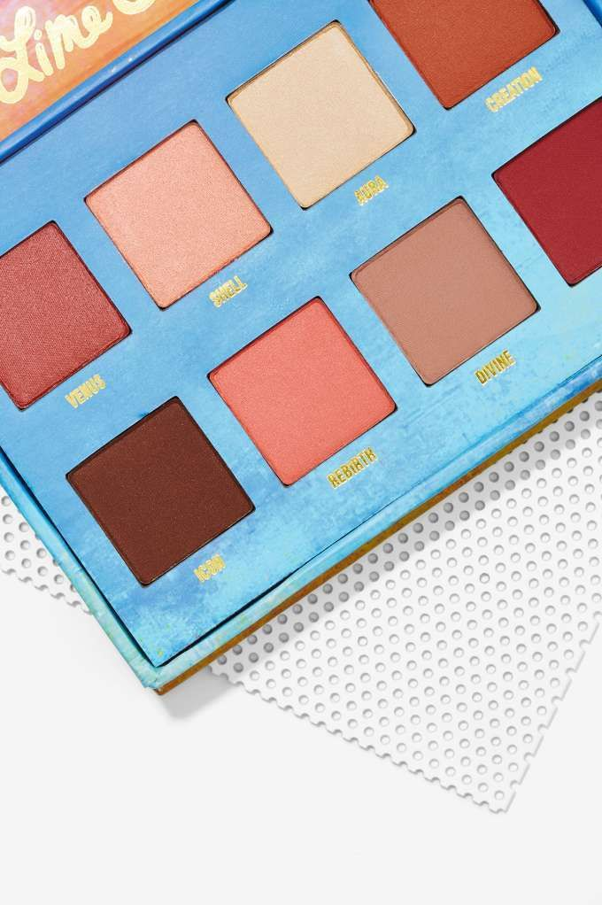 Lime Crime Venus: The Grunge Palette -  features eight warm earth-tone eyeshadows, from beige to pink to mocha brown
