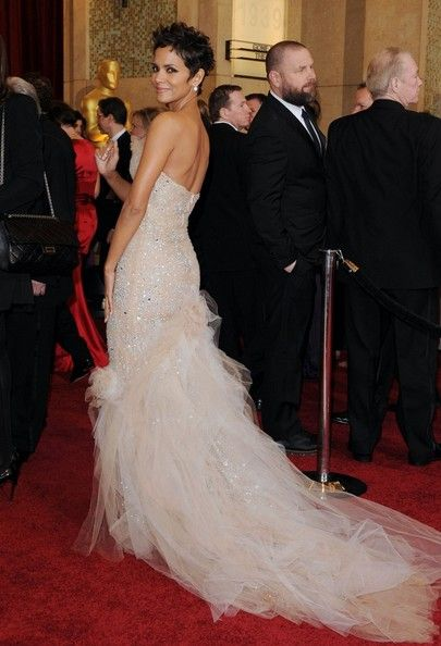 Halley Berry's Oscar Dress - GOREGOUS!!!