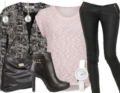 Une très belle tenue pour une femme d'affaire! Ici pour les articles:  http://stylefru.it/s274890 #rose #noir