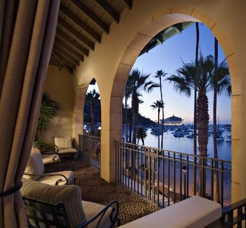 Avalon, Catalina Island: I nearly visited here to see one of the last Roxy Music gigs. Didn't make it, unfortunately, but I would have stayed here is I had - Hotel Del Mar