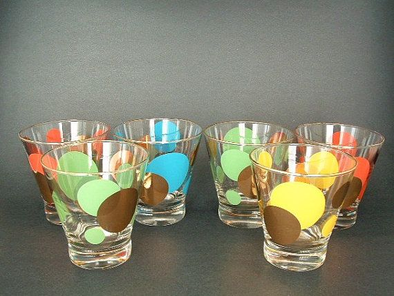 If only I would come across Russel Wright cocktail glasses thrifting. Drool.