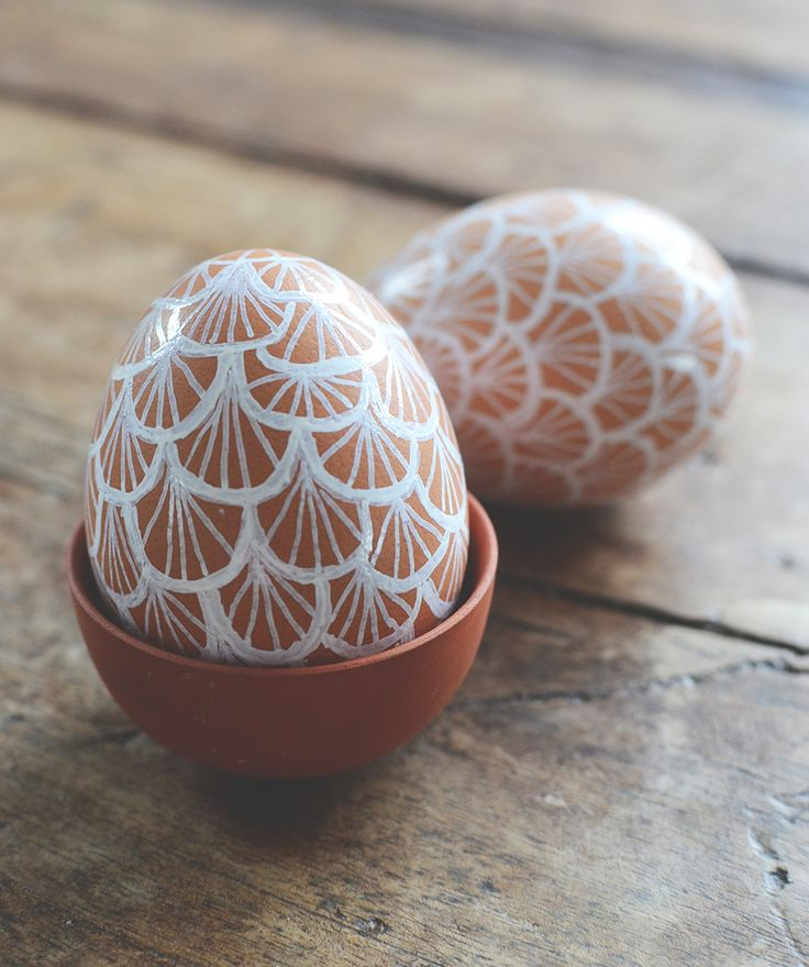 Lace Painted Easter eggs