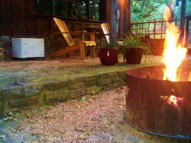 Enjoy the firepit off your private porch texas bed and for Romantic weekend getaways from dc
