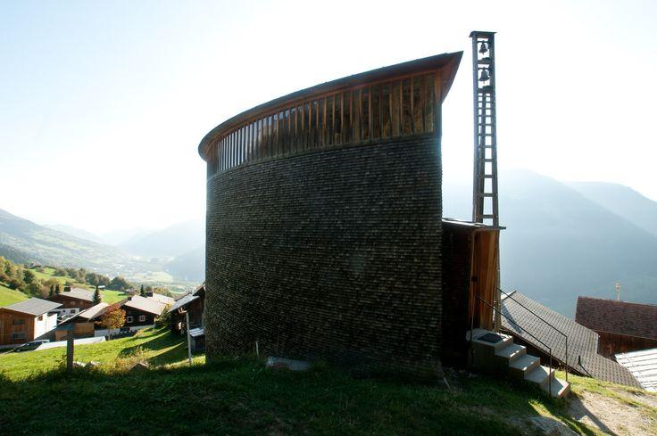 Una capilla en los Alpes Espacios en madera