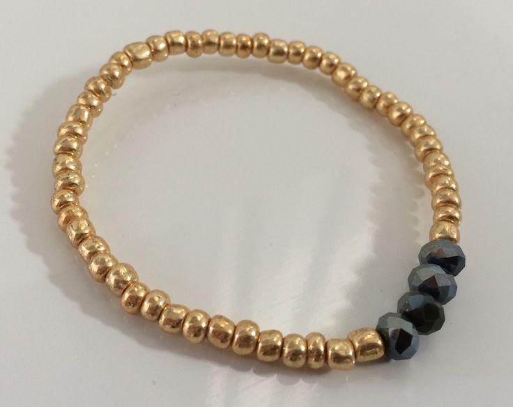 NEW | Army Green collectie | goud en army green hippe armband | bestel deze of kom hem ophalen voor € 4,00 per stuk #marblesmusthaves #handmade #sieraden #armbanden #armcandy #goud #armygreen #newcollectie #loveit