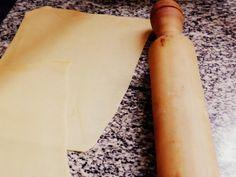 Cómo hacer masa para lasaña... si te estás preguntando esto tye ENCANTA cocinar. Aquí la receta, es bastante simple y se puede congelar y guardar. | https://lomejordelaweb.es/