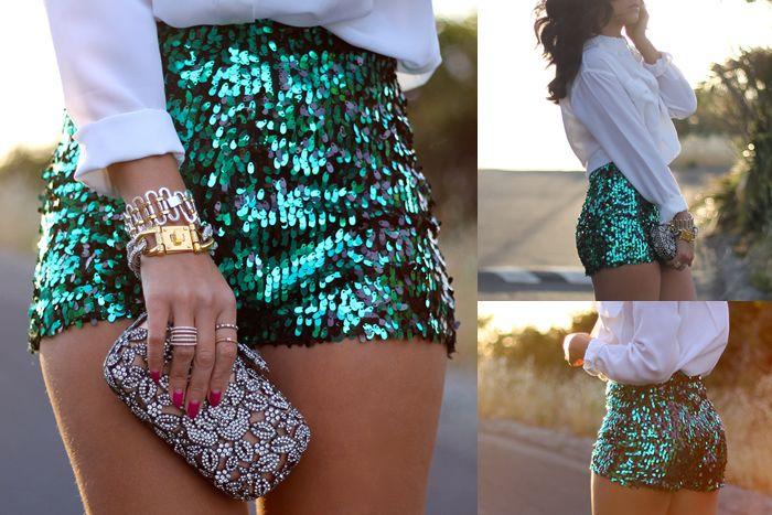 Yes! I love glitter sequin shorts! :3
