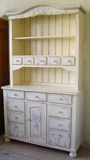 Dom na Górce: Ręcznie malowane meble