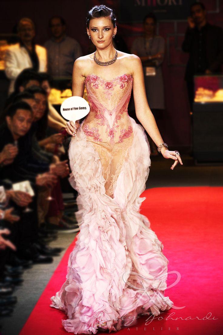 #lace #tulle #couture #fashion #hautecouture #fashionshow #promdress #cocktail #dress #redcarpet #glam #gala #glamour #glamorous #look #redcarpetlook #redcarpetfashion #ruslytjohnardi #ruslytjohnardiatelier #makeup #cledepeau #hairdo #actionhairsalon #fashionideas #outfit #fashioninspiration #fashiondesigner #fashiondesign #singapore #pink #ruffles #mermaid