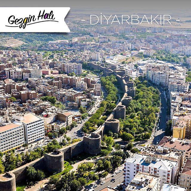 #GezginHalı bugün #Diyarbakır'da! #Türkiye'nin #Güneydoğu #Anadolu illerinden olan Diyarbakır, 9 bin yıllık geçmişiyle tarihi bir şehirdir. #AtlasHalı #AtlasNanoHalı #Halı