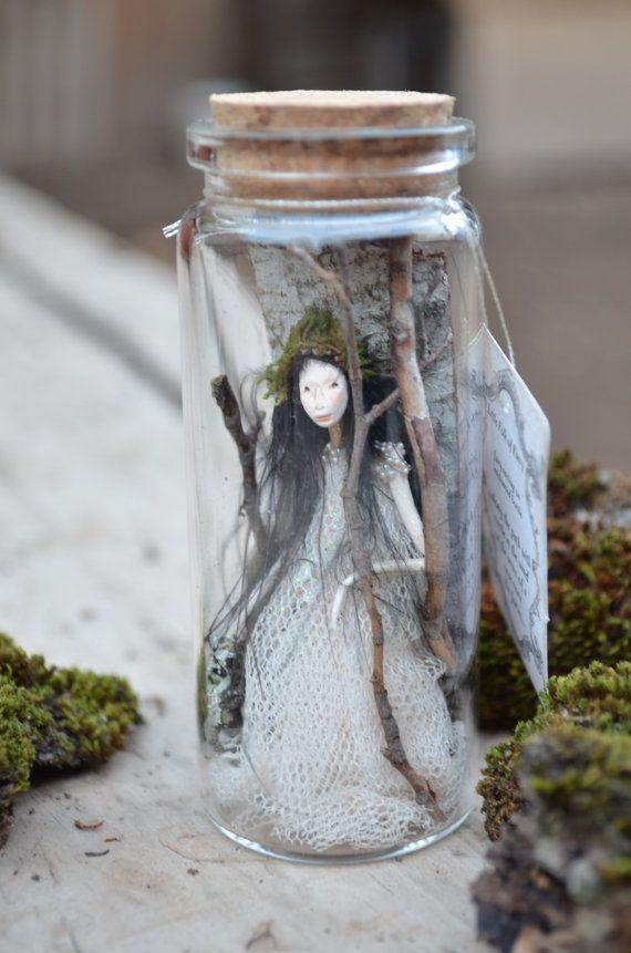 Fairy sitting on Moss - Woodland Spirit - Nigrica Miniatures sculpt hand made by Johana Molina