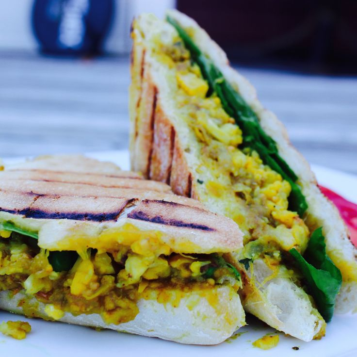 Spiced Chickpea, Mango Chutney and Cauliflower Curry Paninis. These paninis are absolutely exploding with a sweet and spicy combination of Indian inspired flavour!