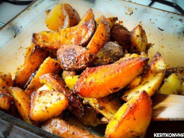 Illatos, héjas krumpli tepsiben