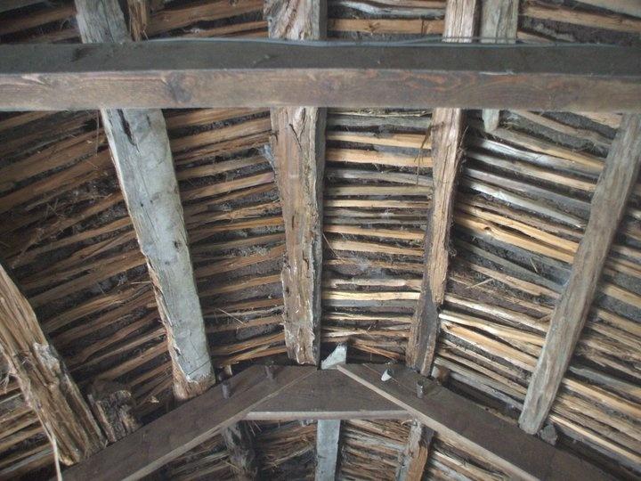 Glencolmcille Folk Village. Roof interior showing construction techniques. | Vernacular Irish ...