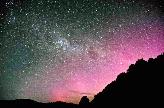 Experiential Traveller: Day 22 Stewart Island, the smallest and southern most island in NZ. This is the Aurora Australis, or Southern lights, seen mostly in July-August  each year, although it does vary. See my story on my BLOG http://experientialtraveller.blogspot.co.nz/