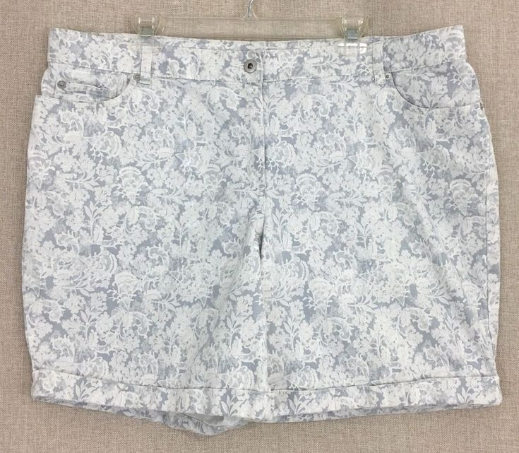 Lila Rose 18W Plus Size Cuffed Shorts Stretch Cotton Floral Lace Print #LilaRose #CasualShorts #Summer
