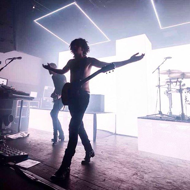 """Polubienia: 136, komentarze: 13 – the 1975 (@mattytalksloud) na Instagramie: """"comment something you love about the 1975 x"""""""