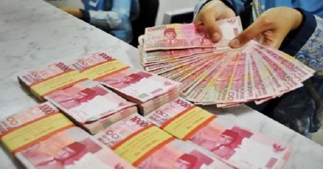 Covesia.com - Nilai tukar rupiah yang ditransaksikan antar bank di Jakarta pada Selasa (27/9/2016) pagi bergerak menguat sebesar 21 poin menjadi Rp13.009...