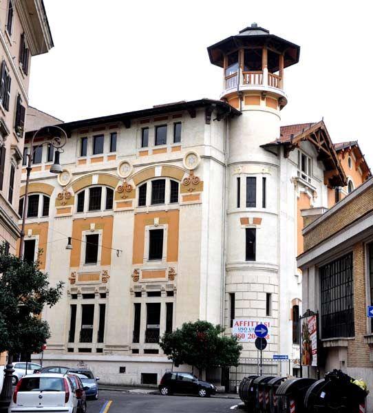 Palazzo in stile. Stabilimento della birra Peroni Roma. Lazio. Italy
