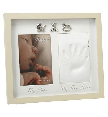 Juliana Home Living Baby Photo Frame with Hand 104 Advantage card points. Baby Photo Frame with Hand Print Display your photos with this baby hand print 4x6 photo frame. FREE Delivery on orders over 45 GBP. (Barcode EAN=5017224491915) http://www.MightGet.com/april-2017-1/juliana-home-living-baby-photo-frame-with-hand.asp