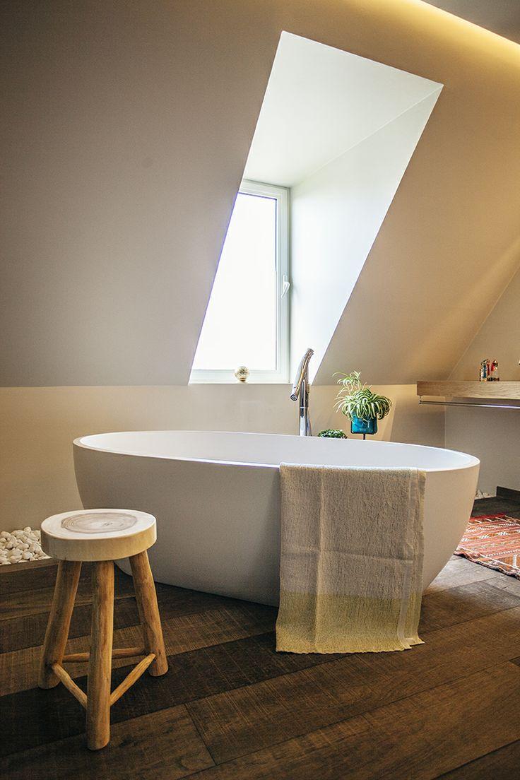 Bath towel Lapuant Kankurit  bathroom made by VIDA Design Roeselare