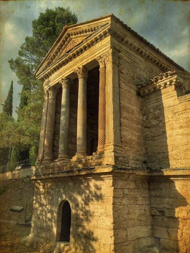Tempietto sul Clitunno, Spoleto, Umbria Unesco World Heritage since 2011. IV - V century A.D. http://www.homeinitaly.com/luxury-villas-umbria.php #Luxury #villas in #Italy for #rent