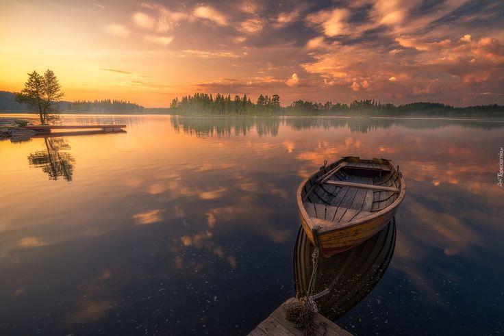 Zachód słońca, Łódka, Jezioro, Drzewa
