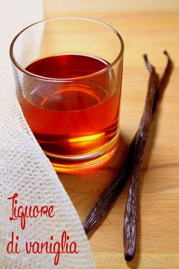 Questo liquore di vaniglia realizzato per infusione dai baccelli vuoti oltre a darvi un buon liquore da bere sarà un ottimo aromattizante per i vostri dolci