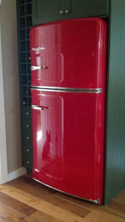 Stunning Cherry Red Retro Fridge from Big Chill. All-American Retro Style with a splash of vibrant red color. Say no to the standard  'white box' and go retro cool. Inspired? Click to discover more.