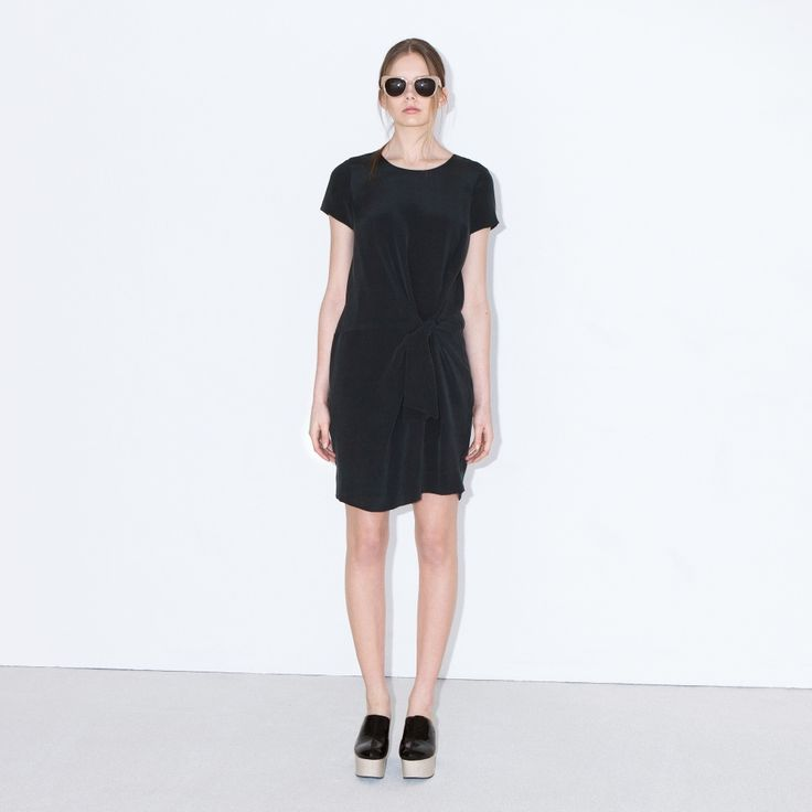 53rd&3rd is a sophisticated dress with a flattering knot at front and T-shirt sleeves. Centre back zipper.