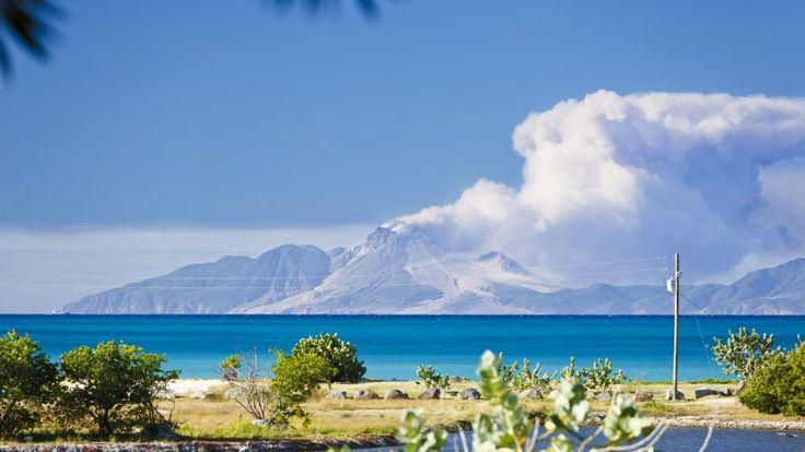 Einst Rückzugsort der Mega-Rockstars: Jenseits der Karibik-Resorts liegt die winzige Vulkaninsel Montserrat.