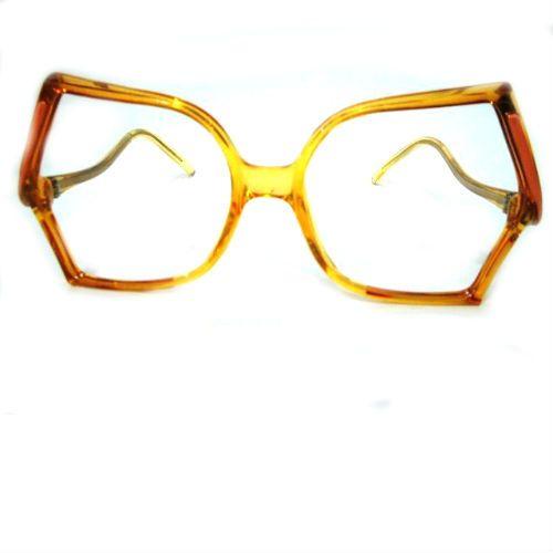 Vintage asimétrico, puede ser óptico o de sol.