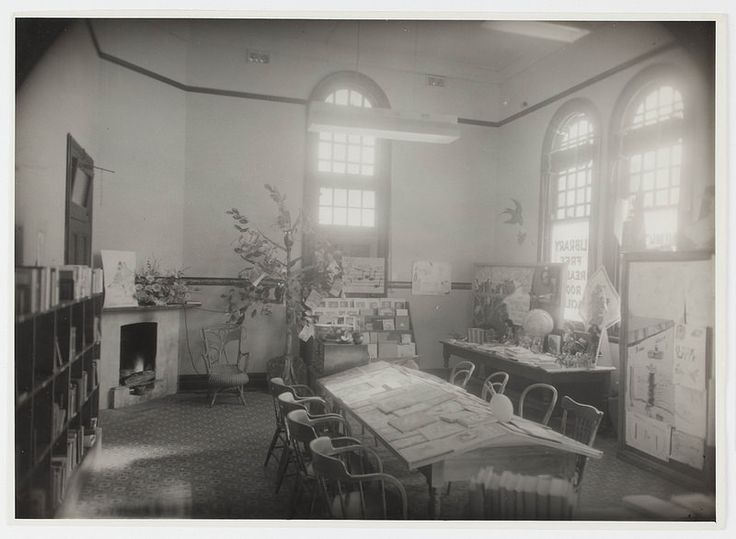 Interior view of Inverell Library, 1950s.