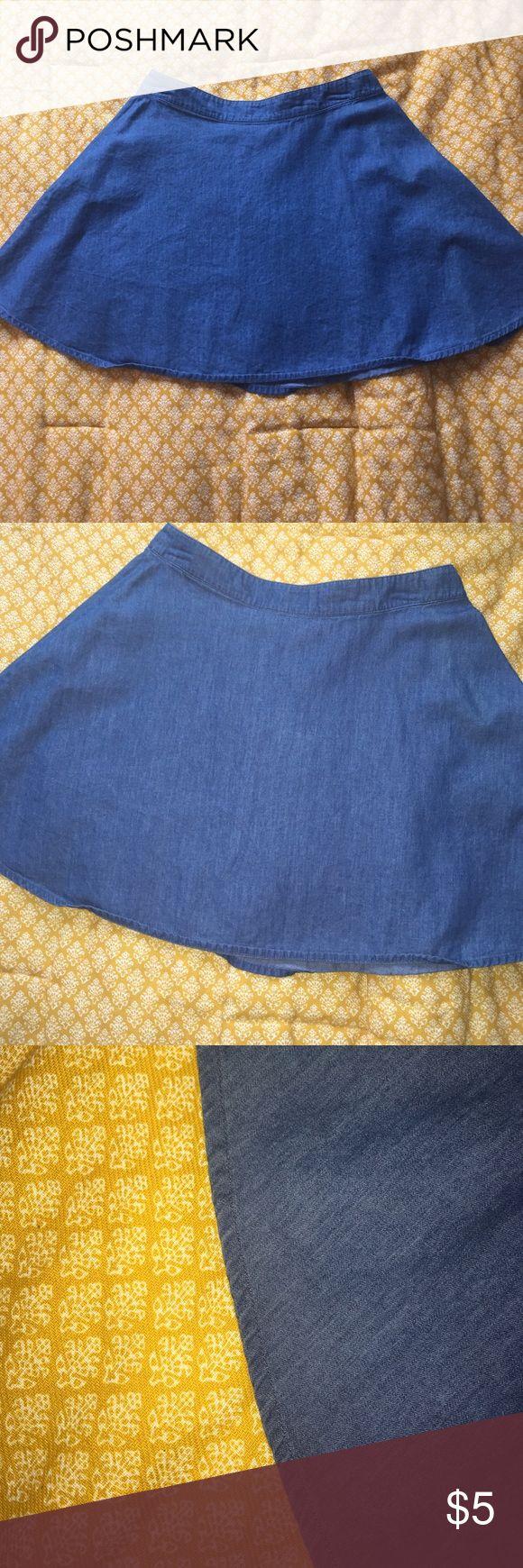 MD Forever 21 Denim Skater Skirt Medium Forever 21 denim skater skirt. Soft, 100% cotton. 16 inches long. Waist line is about 13.5 inches. 6 inch zipper on back. Really good condition. Forever 21 Skirts Circle & Skater