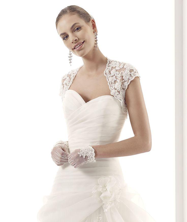 #Jolies #2015Collection #wedding dress #nicolespose ► http://www.nicolespose.it/it/abito-da-sposa-Jolies-Jessica-JOAB15460IV-2015?utm_source=facebook.comutm_medium=postutm_term=JOAB15460IVutm_content=collezione2015utm_campaign=jolies