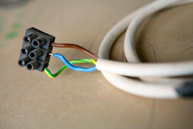 Lampe anschließen: In 6 Schritten - ohne Stromschlag