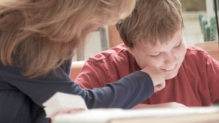 Why is reading comprehension such a struggle for some kids? Find out possible reasons your child has trouble understanding or remembering what he reads.