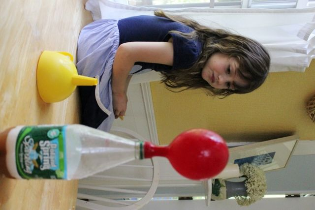 Kid science experiments: inflatable balloon