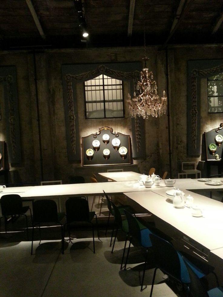 """Gucci presenta le nuove collezioni.  La Richard Ginori targata Gucci """"sforna"""" due nuove collezioni (Volière e Gift) e le presenta nel ristorante Carlo e Camilla in Segheria gestito dalla chef"""