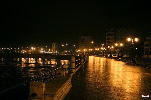 Paseo nocturno por El Sardinero