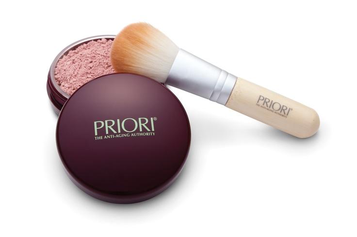 POWDER BRUSH e Powder: un finish perfetto per un viso luminoso e senza effetto lucido per tutta la giornata