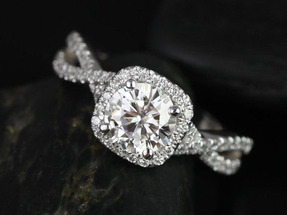 This would be so pretty in 14kt yellow gold ~ Josephine 14kt White Gold Round FB Moissanite and by RosadosBox