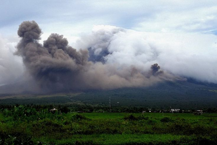 Mayon Volcano Eruption Mayon Albay - Philippines (950x633) http://ift.tt/2mGZCb4