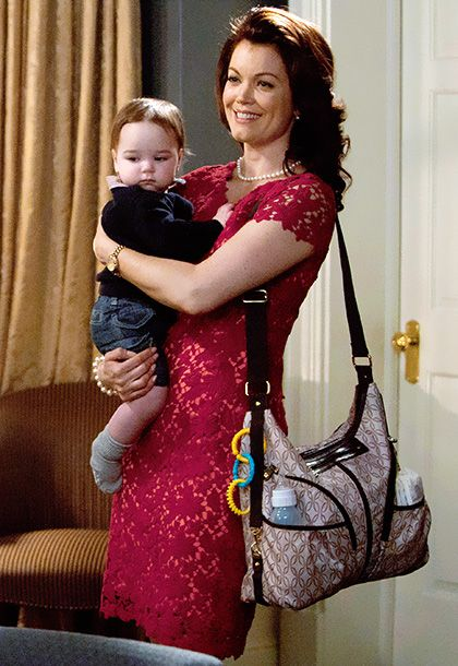 ''I really wanted Mellie [Bellamy Young] to look a little Jackie O,'' explains costume designer Lyn Paolo. #Scandal