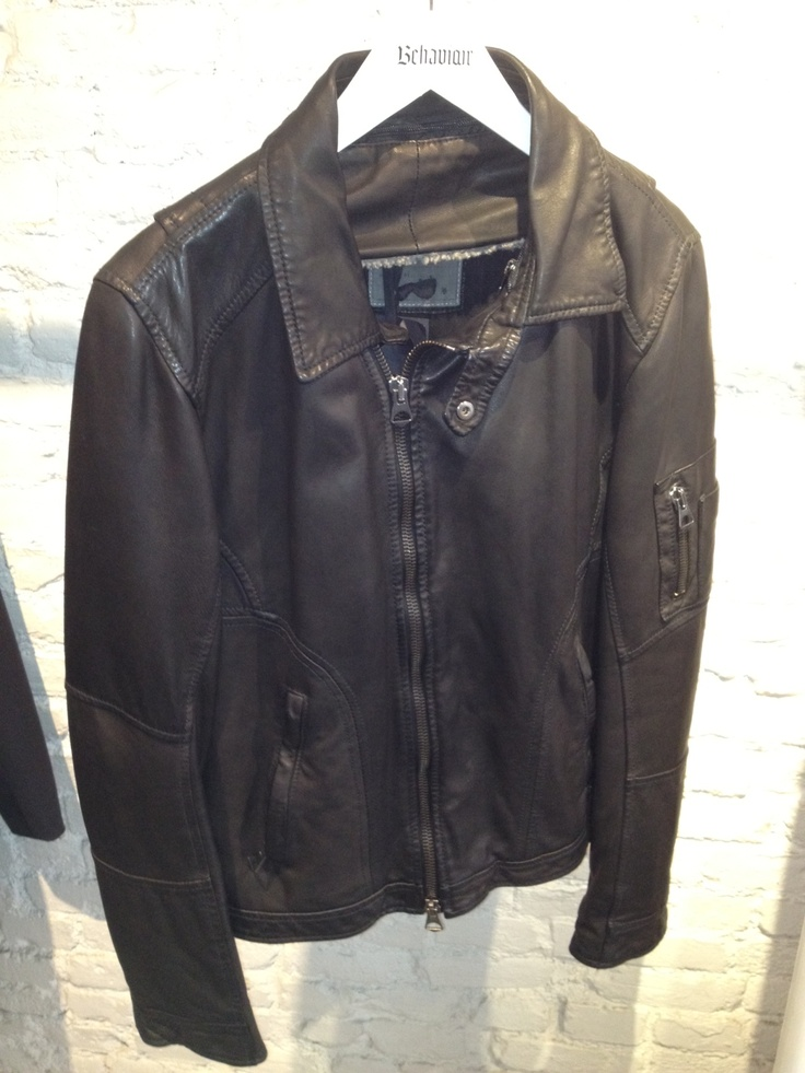 MOTORCYCLE JACKETS > Light-Weight Genuine Leather Motorcycle Jacket