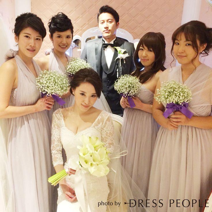 エアリーな質感が女性らしい、クレープシフォンのブライズメイドロングドレス。結び方のアレンジ次第でスタイルを楽しめる5wayロングドレス・クレープシフォン(ライトグレー)  #Bridesmaid #Dress #Gray #Wedding